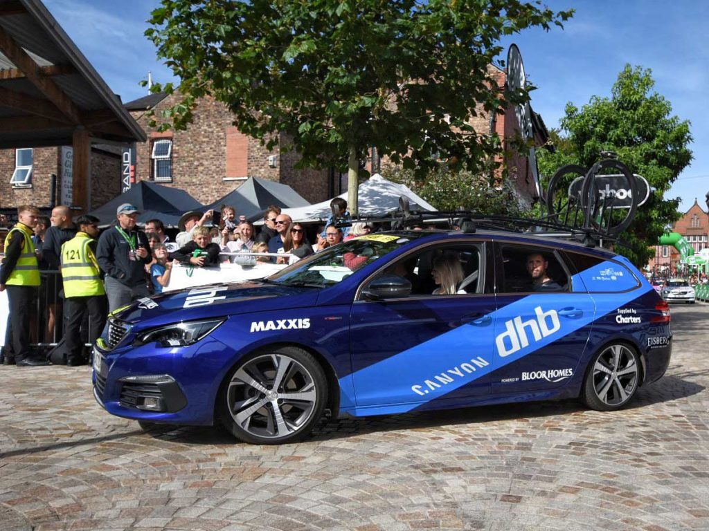 canyon-dhb-support-car